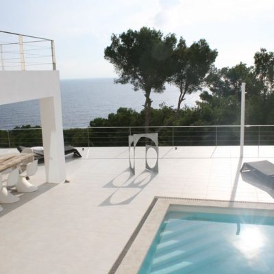 1-View pool