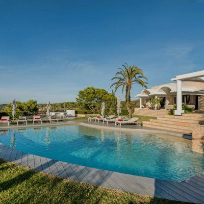 Izara Beach Villa (26)-w1850-h950