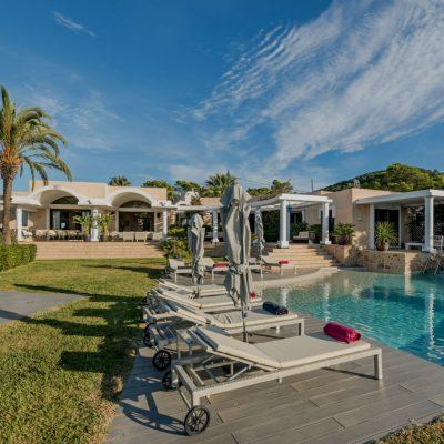 Izara Beach Villa (27)-w1850-h950