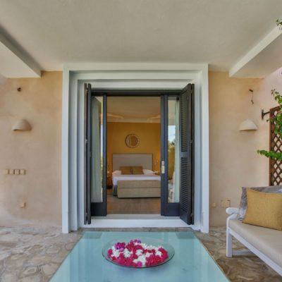 Izara Beach Villa (1)-w1850-h950