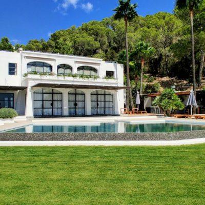 Villa Cardona New Pool 2020 (27)-w1850-h950