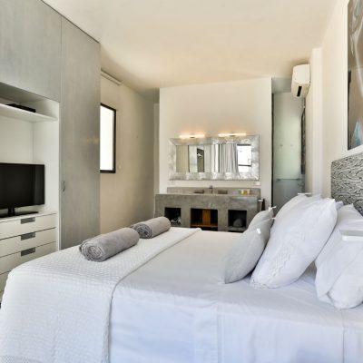 Villa Cardona Luxury Villa Ibiza (1)-w1800-h950